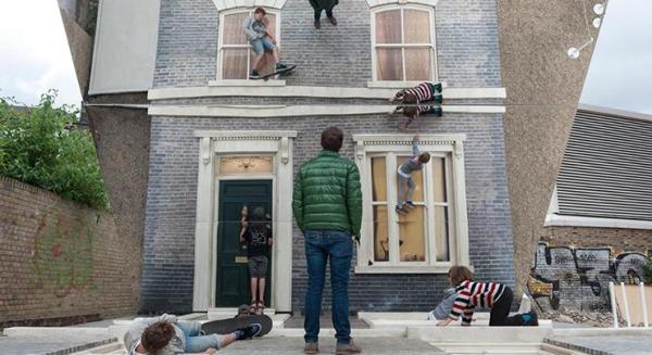 1764674_Image-2---Leandro-Erlich-Dalston-House-Photo-by-Gar-Powell-Evans-Barbican-Art-Gallery-2013-WEB